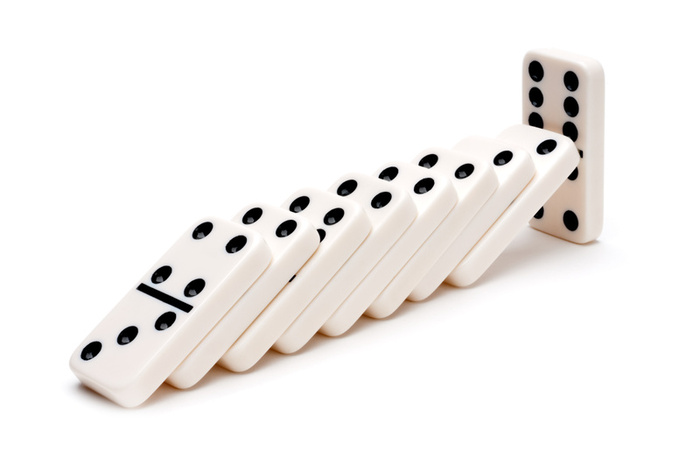Dominoes - 10 photo