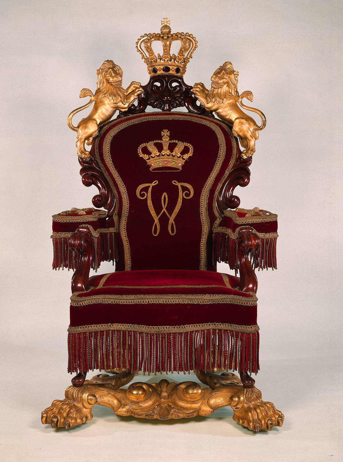 Throne - 02 photo