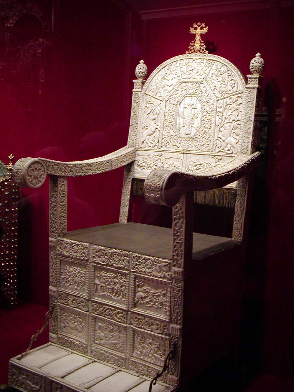 Throne - 03 photo